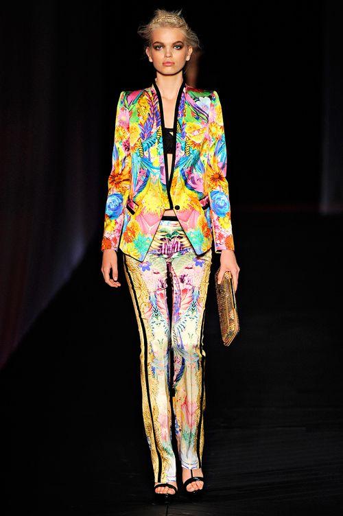 Guld, pailetter og farvefulde mønstre fra Roberto Cavalli