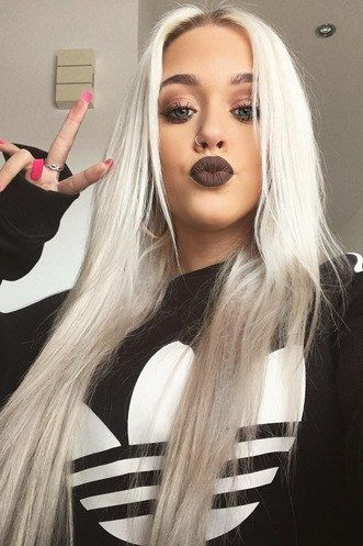 Lottie Tomlinson Is About To Change Your Manicure Game