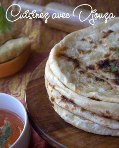 Recette naan indien, nature ou au fromage facile à faire. C'est à Singapour, que j'ai vu faire ces naans. Une galette indienne cuit dans un four tandoor