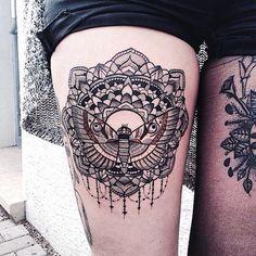 Se você está querendo fazer uma tatuagem feminina na perna, saiba que esta é uma ótima opção. Com um bom espaço para criar desenhos tanto horizontais como artes verticais ou ovais, a perna e principalmente a coxa é um dos locais mais requisitados e que mais te dá possibilidades! Locais No geral é muito mais […]