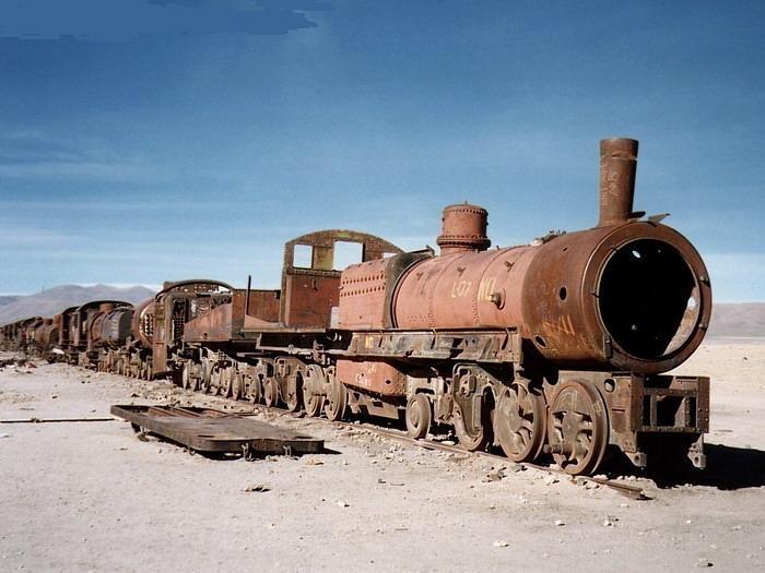 Uyuni train graveyard