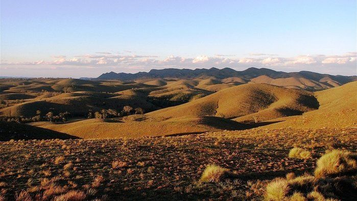 Australia's major natural features - video. Flinders Ranges: desert fortress - Geography (Years 3,4,5,7,8)