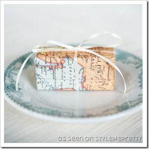 Pacchetti regalo con mappe geografiche e atlanti!