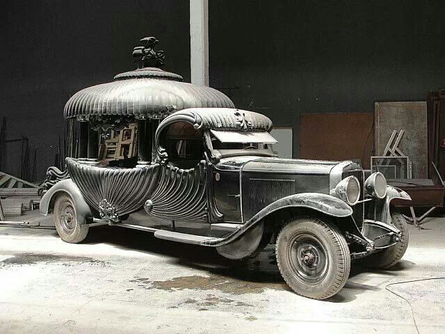 1929 Argentinian Buick Hearse...someone make sure I get a ride in this for my funeral...with a Pimpin mariachi band and professional mourners! (MB)