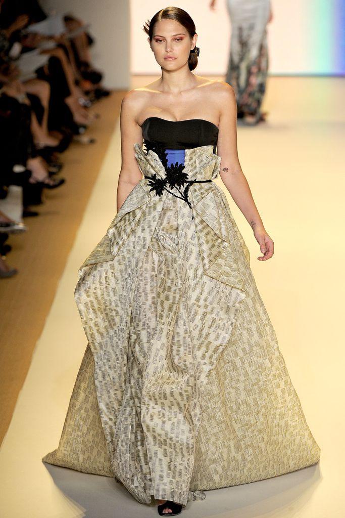 I like the 1) folds in the skirt