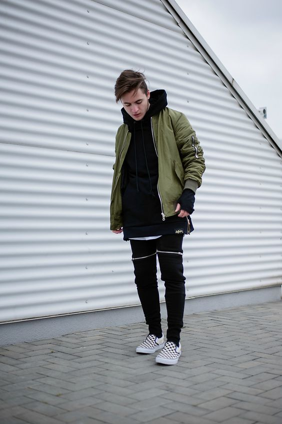 Army green bomber jacket black joggers street style | Follow @FILET. for more street style #filetlondon