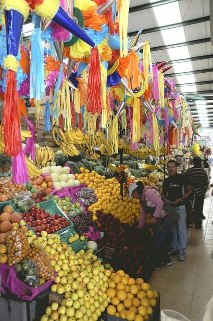 Mercado San Juan de Dios 3 - San Miguel de Allende                       joven_60, via Flickr