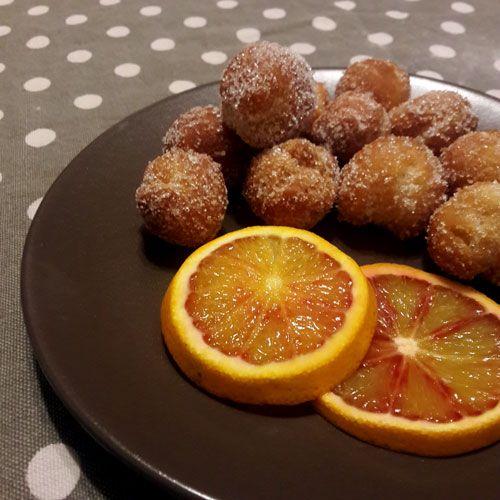 Non le classiche castagnole ma le castagnole arancia e mascarpone, dal gusto unico e goloso! Non saranno dietetiche, ma quanto sono buone!