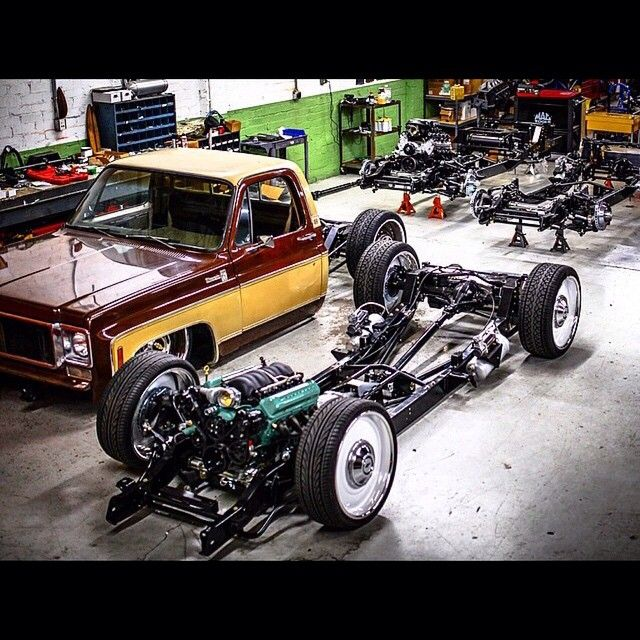 Hot Wheels - And you thought you had them lined up in your workshop! The man @delmoxxx getting those C10's in and out. @rp_made #chevrolet #gmc #c10 #airsuspension #raked #stance #hotrod #accuair...