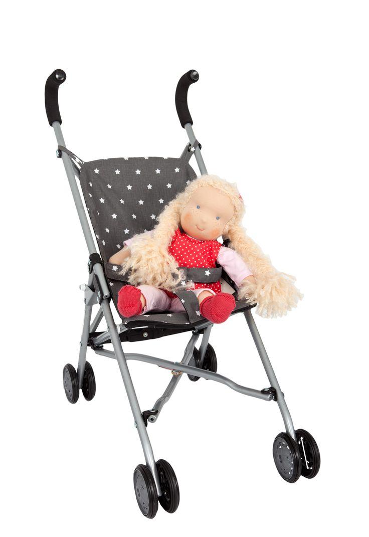 Emilie is ready for a ride!! La sillita de estrellas de Barrutoys queda monísima con esta muñeca de Kathe Kruse de la colección Waldorf.