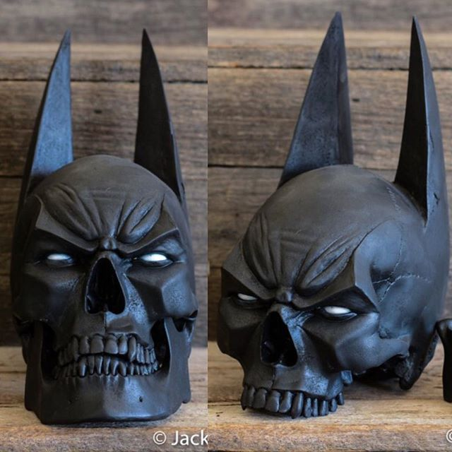 Jaw or no jaw Which do you prefer? . The batskull comes with a spring loaded jaw but it is removable by un hooking the spring! . Now available to order worldwide with FREE express shipping worldwide at www.jackofthedust.com