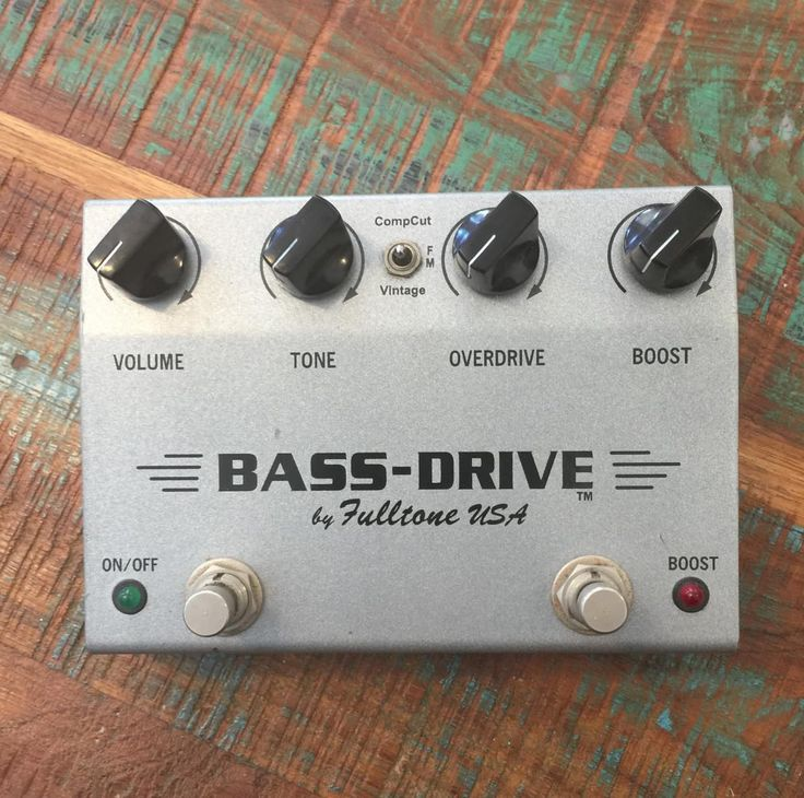 Excellent condition Fulltone Bass Drive.Made in USA.Works flawlessly.International buyers will need to provide an accurate postal code prior to final purchase as to obtain accurate shipping cost. Shipping quote is an estimate, actual cost may vary depending on destination.
