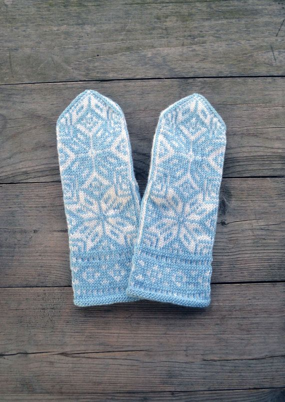 Knit Wool Mittens  Nordic Mittens with Stars Christmas by lyralyra, $36.00