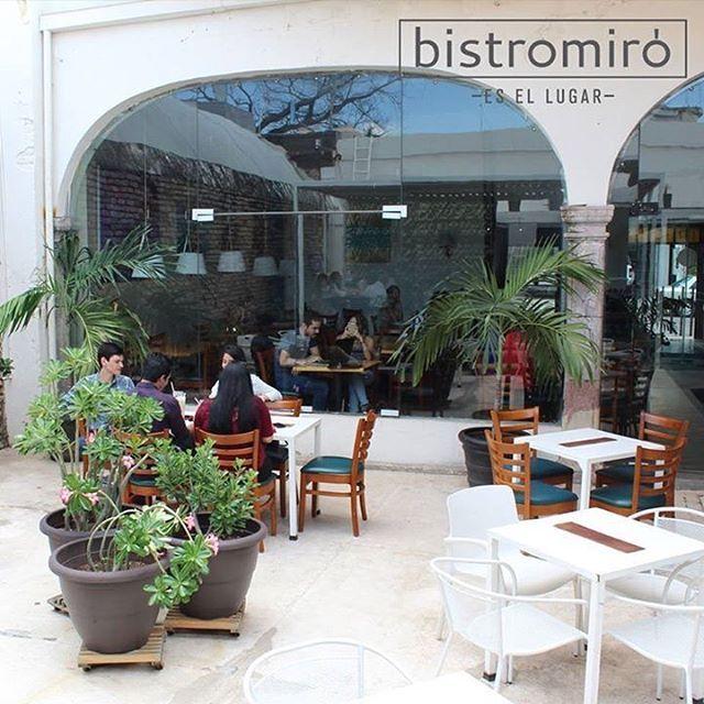 Ven a disfrutar del delicioso cambio de clima acompañado de un #Cafesito #BistroMiró #EsElLugar