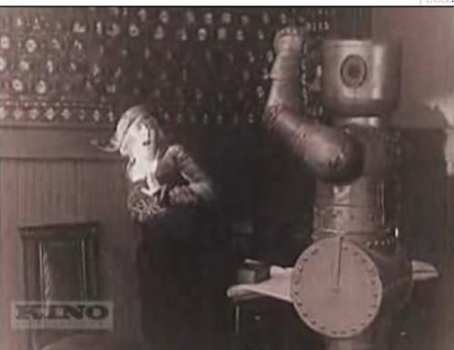 Restored Houdini movies features a fight with the first ever robot in  a motion picture - http://boingboing.net