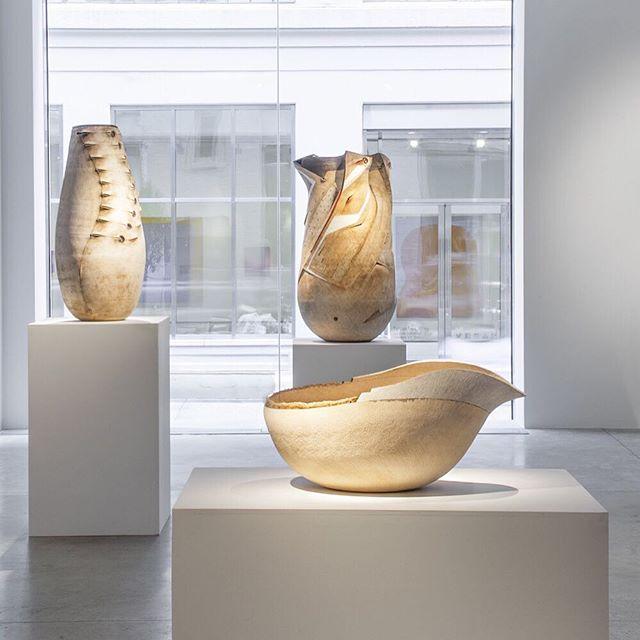 A wonderful piece on @andiledyalvane 's work in New York's @friedman_benda https://cfileonline.org/exhibition-andile-dyalvane-camagu-at-friedman-benda-new-york-contemporary-ceramic-art/