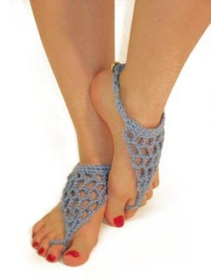 I love to go barefoot in the summertime. These are perfect. You can make them from a plethOra of materials. maybe use a metallic thread or yarn and add beads. Too cute!