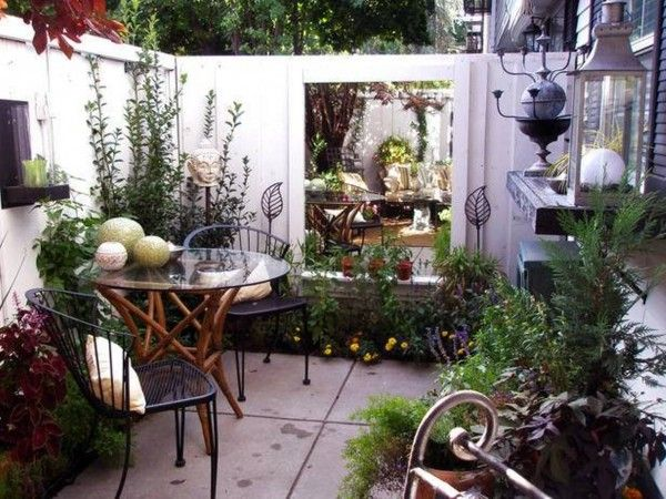 25 best ideas about small courtyard gardens on pinterest small courtyards - Decoration petite terrasse ...
