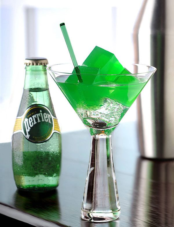 Perrier Mojito Cube  Perrier's bubbles recreate the aromatic complexity of a traditional Mojito. The familiar taste of the classic Mojito is enriched by new sensations caused by the alternation of liquids and solids. A great classic revamped by molecular mixology!
