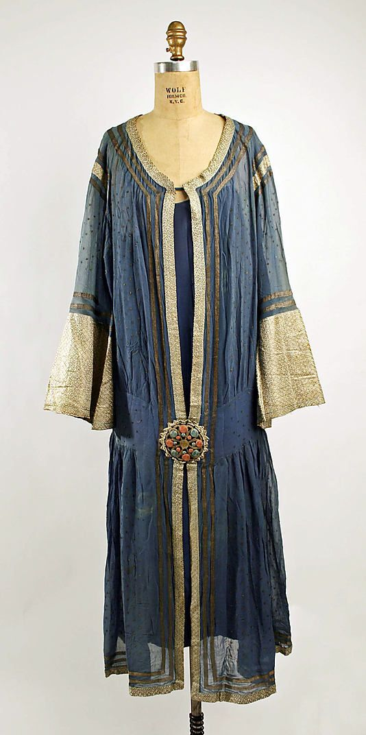 Blue silk dress with silver grey contrast trim, French, 1923-27. Love the color combo I'd tweak the style