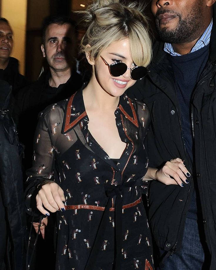 leaving the Coach Event in London England [December 4] dejando el Evento Coach en Londres Inglaterra [Diciembre 4]