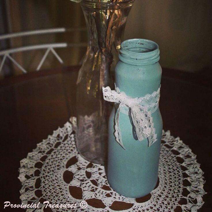 Decorative jars and bottles. #alwaysroomforcutetrinkets