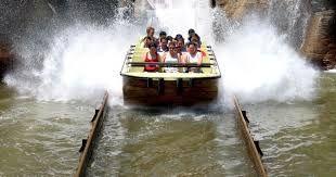 El recinto de Agua Mágica, inaugurado en 2014,4 contiene una playa artificial, piscina de olas, toboganes, piscinas de baño familiar e infantil, toboganes infantiles y río lento.