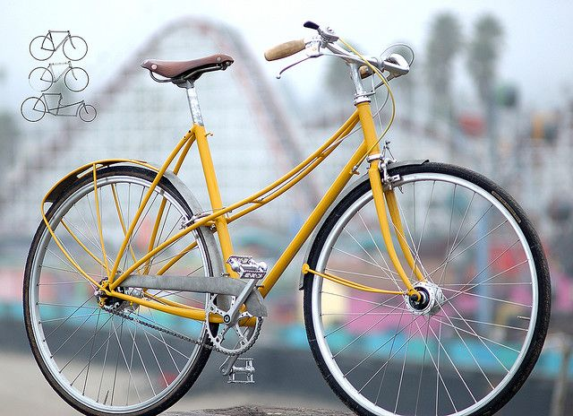gorgeous details on this mixte from frances. love the curved stays!