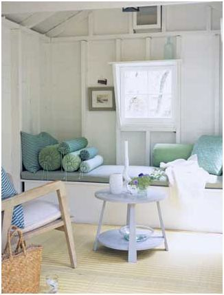 If I have anything to do with it, my space will have a window seat.  This is the perfect inspiration! #momcave