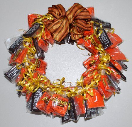 candy bar wreath put candy bars in individual clear cello bags tie them with curling - Halloween Candy Wreath