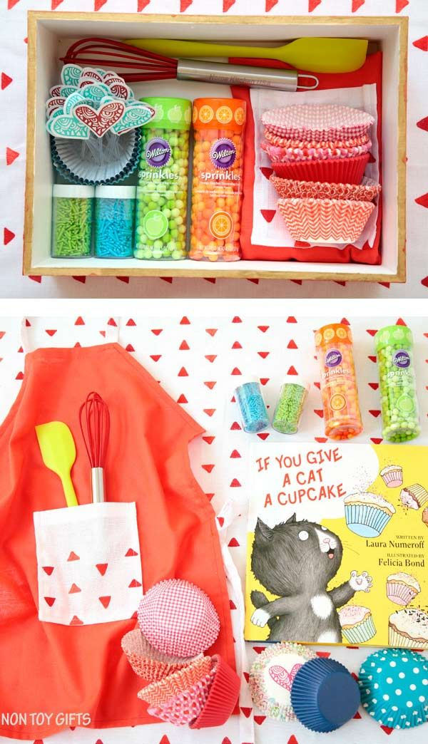 A DIY cupcake kit is a great gift to make for kids for their birthday or Christmas. | at Non Toy GIfts