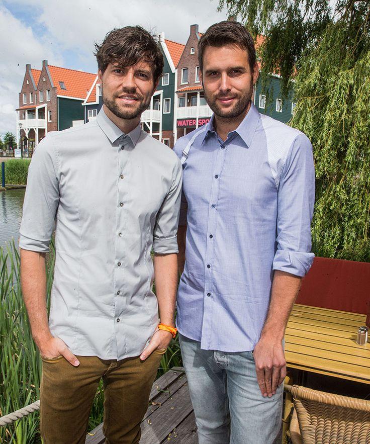 In Ditjes & Datjes 6: Tien jaar aan de top - Nick & Simon! Het talentvolle zangduo uit Volendam is de lieveling van het Nederlandse publiek. Dit jaar vieren Nick en Simon hun tienjarig jubileum, met een groot concert in Ahoy. #DitjesDatjes #NickSimon #nick #Simon #volendam