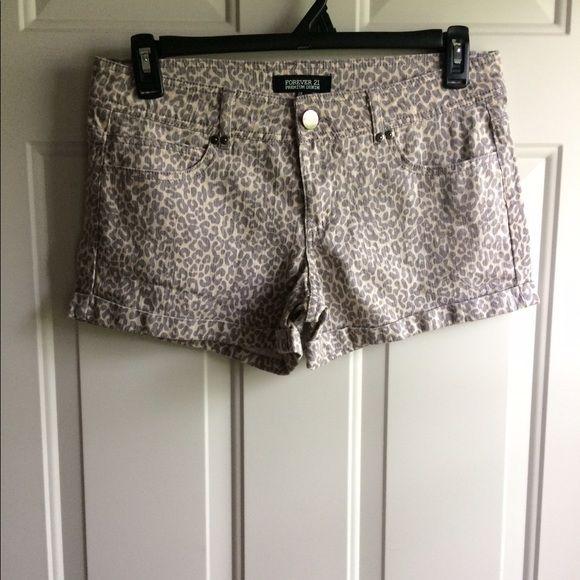 Forever 21 Denim Cheetah Shorts Size 29 Forever 21 denim cheetah shorts size 29. Smoke free home Forever 21 Shorts Jean Shorts