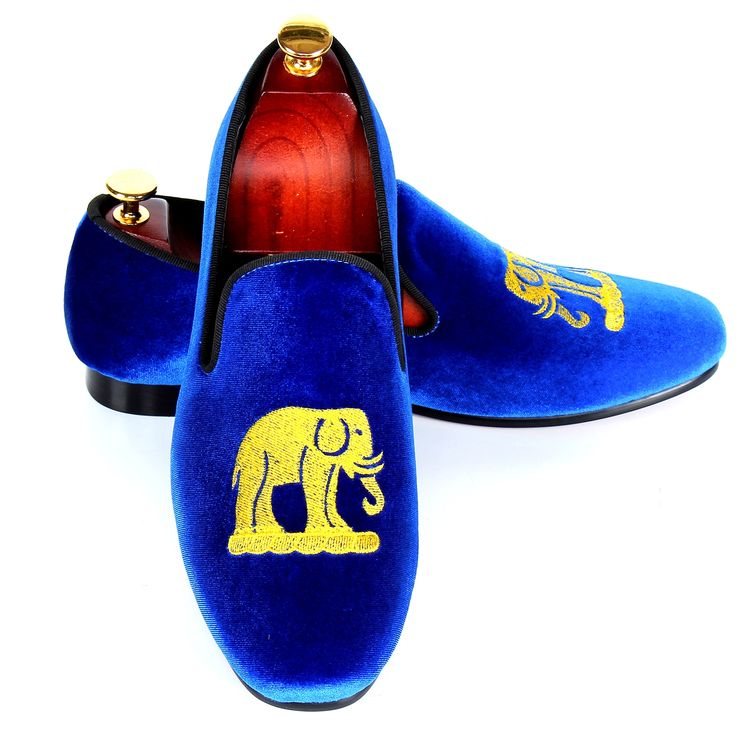 68.80$  Watch now - http://ali252.worldwells.pw/go.php?t=32750607124 - Blue Velvet Loafers For Men Handmade Embroidery Smoking Slippers Leisure Shoes Flats Red Bottom Sole Free Shipping Size 7-13 68.80$