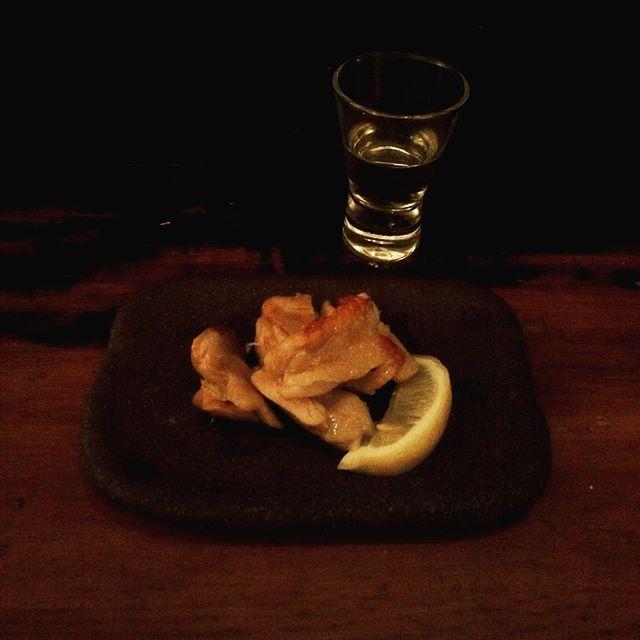 .................. 鶏もも肉の魚醤焼き × 日本酒 . . . #日本酒 #つまみ #鶏肉 #肉  #深夜食堂 #japanesesake #池袋  #sake #sakegram #instasake #drinks  #delicious #酒 #酒飲み #晩酌  #ikebukuro #居酒屋 #カウンター  #日本酒大好き #japanfood #japanesefood  #一人呑み #一人飲み #ひとり飲み  #酒場放浪記 #酒場 #酒浸部