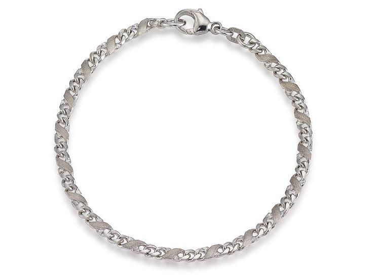 Aagaard armbånd i 14 karat hvidguld. Det er udført i et kreativt tvundet design, hvor de matte og blanke overflader giver armbåndet et anderledes look.