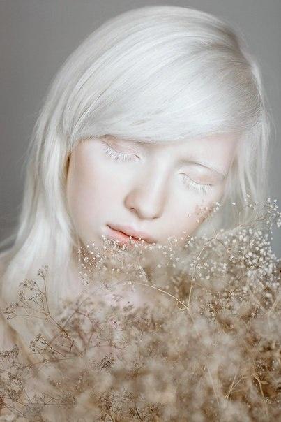 platinum / white blonde hair -- albino / Nastya Zhidkova