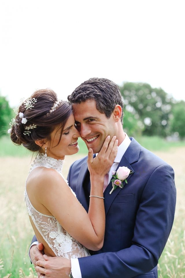 Lovely couple #wedding #bruiloft #bruidspaar Trouwen in Het Oude Slot in Heemstede | ThePerfectWedding.nl | Photography: Lato Photography