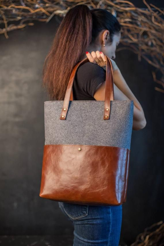 IN STOCK!!!! Grey felt and brown vintage leather is a classic combination of colours and materials. This felt tote has a simple design but at the same time elegant look. It is made of high quality wool felt that is so soft to touch and vintage brown leather that in time will get individual patina.