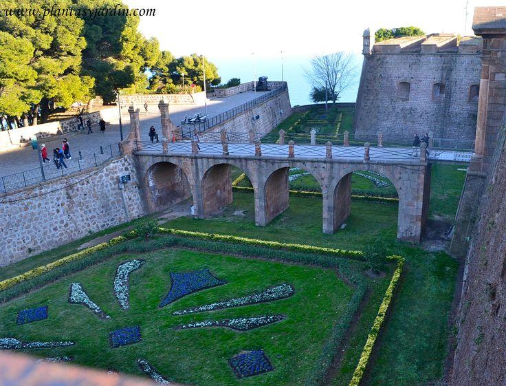 El jard n medieval castillos y monasterios historia for Jardines italianos
