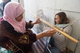 El Mensej, l'atelier qui redonne vie aux fripes présenté par El Mensej Nefta —  Kilim, artisanat tunisien, tapis tunisien, nefta, artisans, tissage, klim