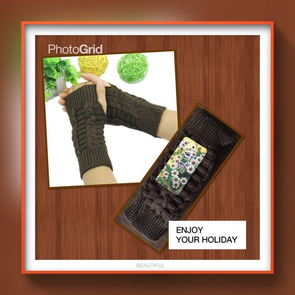 """Brown winter arm warmer fingerless knit gloves Brown color Material acrylic fiber length 8"""" ( approx ) very beautiful price is firm unless you bundle  2 pairs available Accessories Gloves & Mittens"""