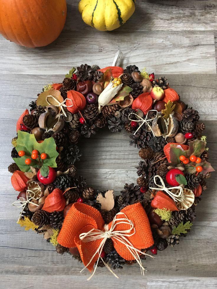 Fall door wreath with squirrel 🍂