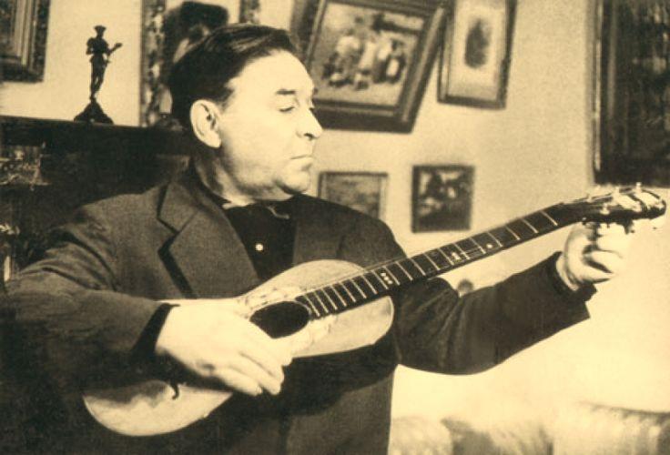 Леонид Утесов является одним из основателей советского джаза и русского шансона. Он выдающийся советский артист эстрады, певец и киноактер. Свою карьеру он начал в 1911 году с выступлений в балагане Бороданова. Переехав из Одессы в Петроград, начал работать в Cвободном театре. В 1929 году организовал и возглавил джаз-бэнд, позже ставший Государственным эстрадным оркестром РСФСР.