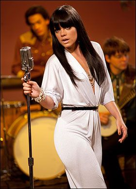 pleaseeee can someone ID Lily Allen's jumpsuit (from her video 'Not fair') - PurseForum  LOVE this jumpsuit!