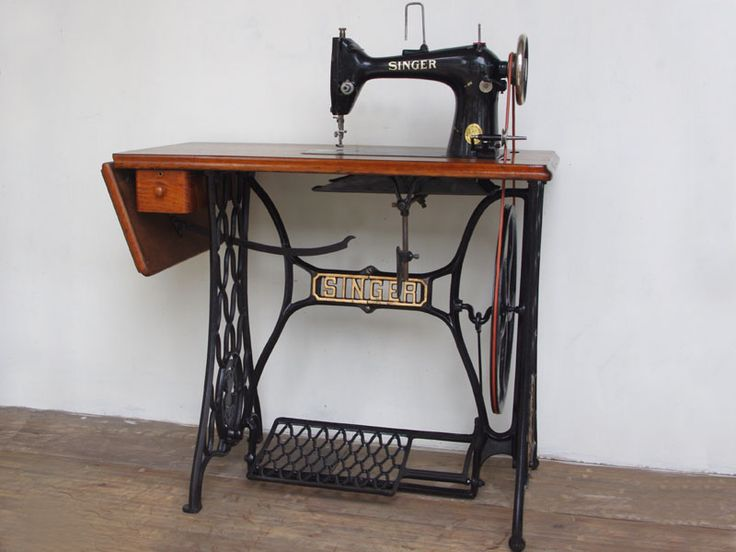 SINGER 103 singer made profession for foot sewing machine