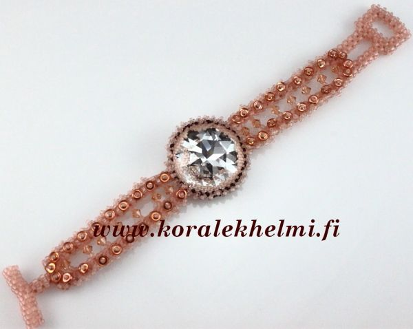 Bracelet made of Swarovski fancy stone, Toho seed beads, Preciosa xrystals and decorated with O-beads.