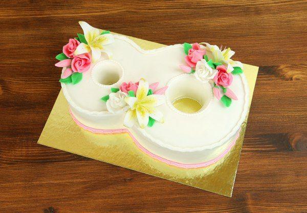 """Торт """"Праздник весны""""  Торт в виде восьмёрки станет чудесным подарком для наших любимых женщин! Красивая и изящная форма тортика с нежными цветочными композициями украсят праздничный стол и подарят не только яркость вкуса, но и праздничное настроение!  С удовольствием изготовим #торт """"Праздник весны"""" от 3-х кг и всего 2150₽/кг.  Менеджеры #Абелло готовы помочь с выбором красивого и качественного десерта по любому поводу по единому номеру: +7(495)565-3838 Телефон/WhatsApp/Viber.Наш сайт с…"""