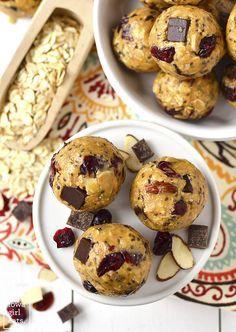 Gluten-free, No-Bake Cranberry Chocolate Almond Energy Bites | http://iowagirleats.com