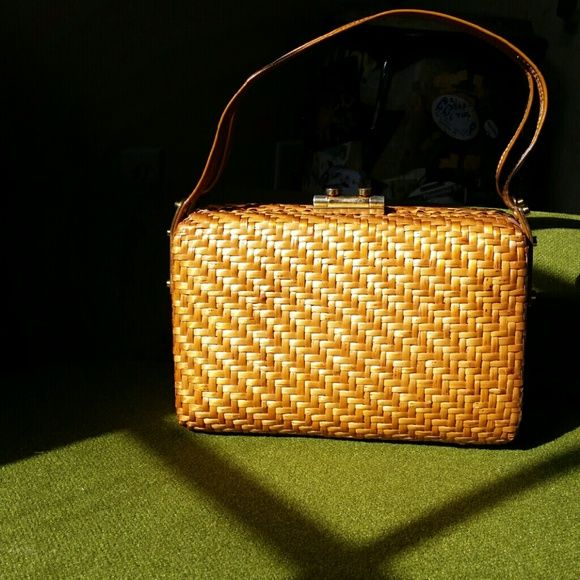 Rodo vintage wicker purse Rodo from Italy. Beautiful wicker woven purse with leather interior. Rodo Bags Totes